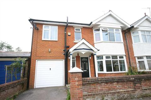 5 bedroom semi-detached house to rent - Wilton Gardens, Southampton