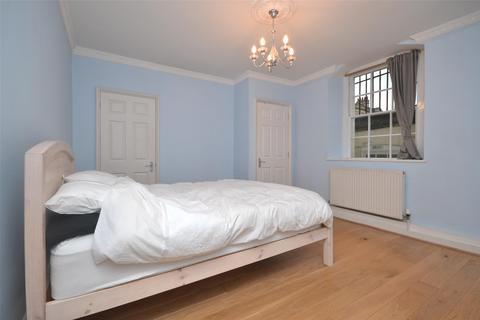 2 bedroom maisonette to rent - Walcot Parade, Bath, BA1