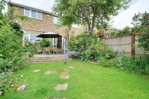 3 bedroom semi-detached house for sale - Russet Way, Hockley
