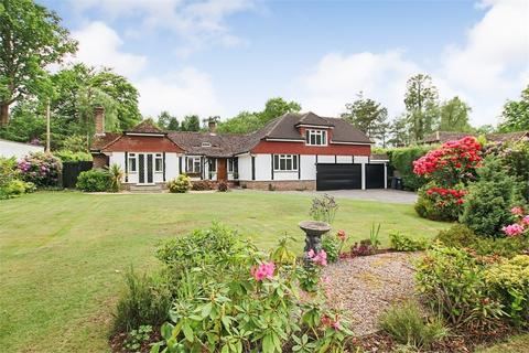 5 bedroom chalet for sale - Domewood, Copthorne, Surrey