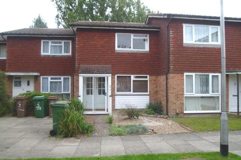 2 bedroom terraced house to rent - Chiswick Close, Croydon, Surrey