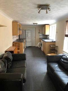 5 bedroom terraced house to rent - Padwell Road, Southampton