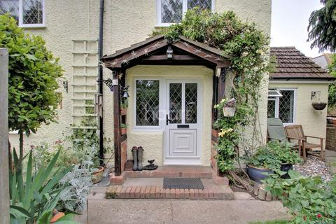 3 bedroom cottage for sale - Little Clacton