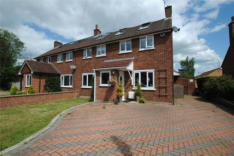 5 bedroom semi-detached house for sale - Park View Crescent, Great Baddow, Chelmsford, Essex, CM2
