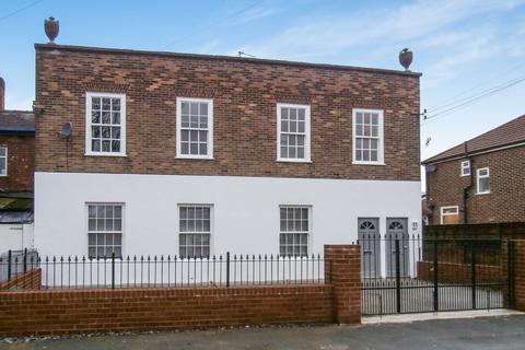 2 bedroom apartment for sale - Tiverton Road, Urmston, M41