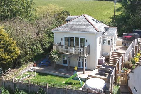 4 bedroom detached house for sale - Winsham Road