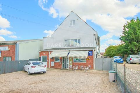 2 bedroom flat to rent - Riverside Avenue West, Lawford, Manningtree, CO11