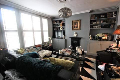 2 bedroom apartment to rent - Russell Road, London, N13