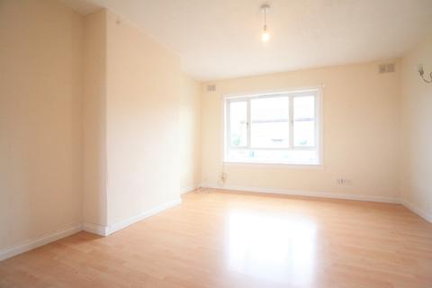 3 bedroom flat to rent - Carlowrie Place, Gorebridge, Midlothian, EH23