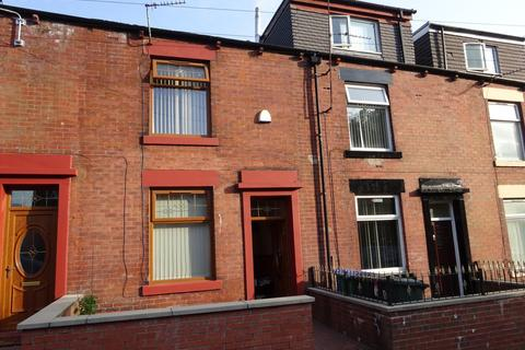 3 bedroom terraced house to rent - St Peter Street, Newbold, OL16