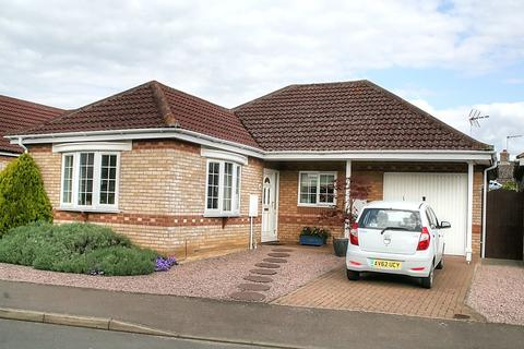 2 bedroom detached bungalow for sale - Courtyard Way, Cottenham