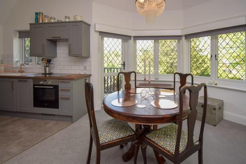 1 bedroom flat for sale - Red Roofs, Bath Road, Taplow, Maidenhead, SL6