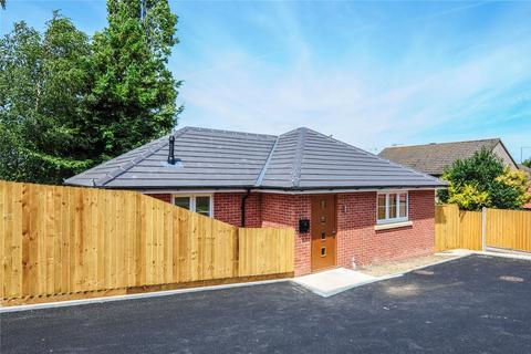 2 bedroom bungalow for sale - Uppleby Road, Parkstone, Poole, Dorset, BH12