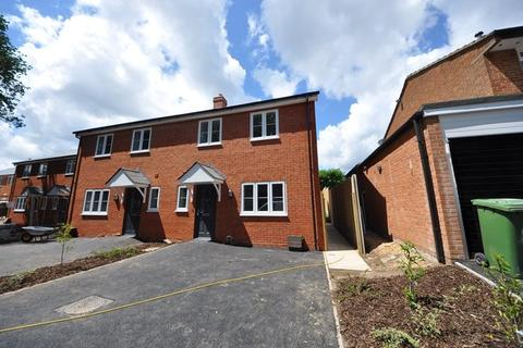 3 bedroom terraced house to rent - , Furze Road, Southampton, Hampshire, SO19