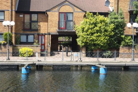 2 bedroom terraced house to rent - Whiteadder Way, London, E14