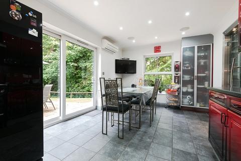 5 bedroom semi-detached house for sale - Chestnut Place, London, Greater London. SE26 6RW