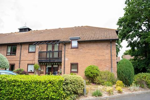 2 bedroom retirement property for sale - Old Common Gardens, Locks Heath, Hampshire
