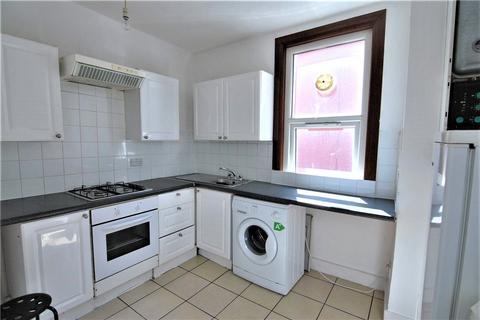 2 bedroom flat to rent - Beresford Road, Harringay, London, N8