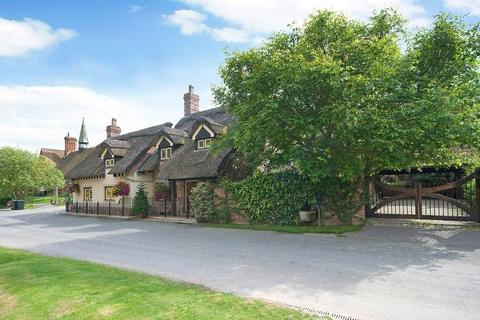 4 bedroom detached house for sale - Hillfoot Lodge, Thixendale, Yorkshire Wolds, YO17