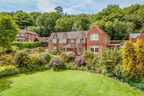 7 bedroom detached house for sale - Felday Glade, Holmbury St Mary