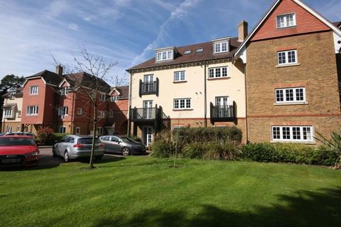 2 bedroom apartment to rent - Copthorne Common Road, Crawley