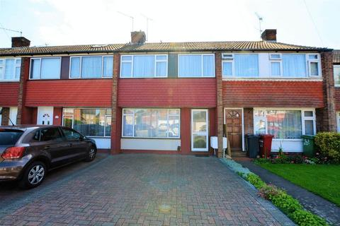 3 bedroom terraced house to rent - The Green, Slough