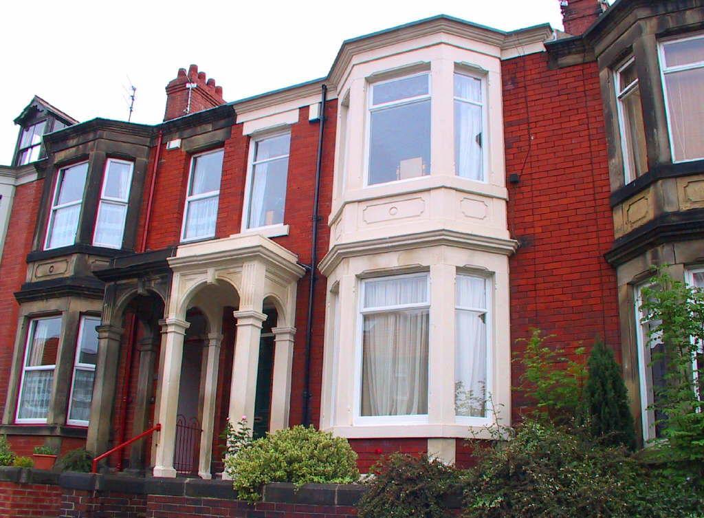 5 Bedrooms Terraced House for rent in Northumberland Gardens, Jesmond Vale, NE2