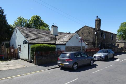 3 bedroom detached bungalow for sale - Poplar Grove, Bradford, West Yorkshire, BD7