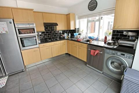 3 bedroom detached house to rent - Grasmere Road, Luton
