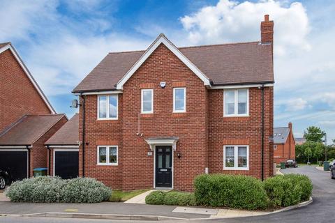 4 bedroom detached house for sale - Russet Street, Aylesbury