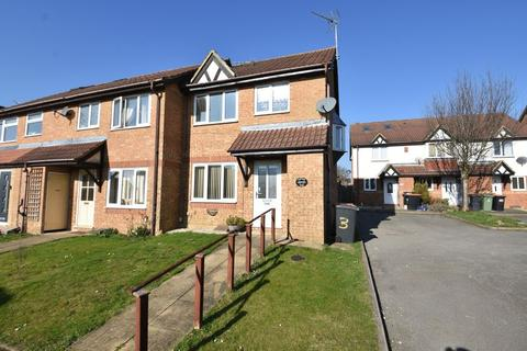 3 bedroom end of terrace house to rent - Cromer Way, Luton
