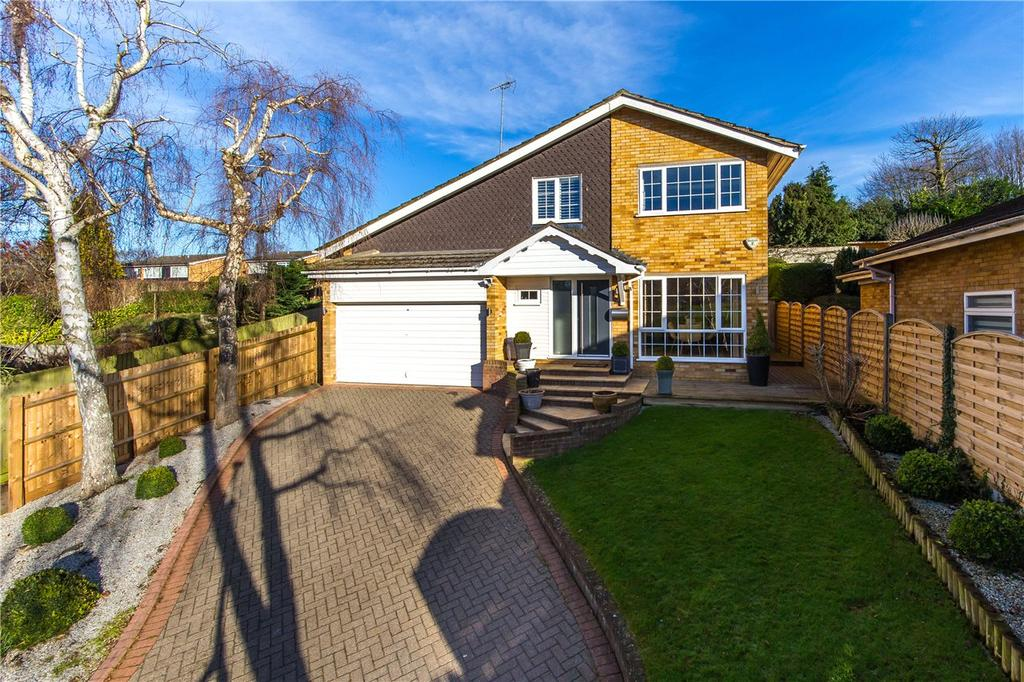 4 Bedrooms Detached House for sale in The Chase, Welwyn, Hertfordshire