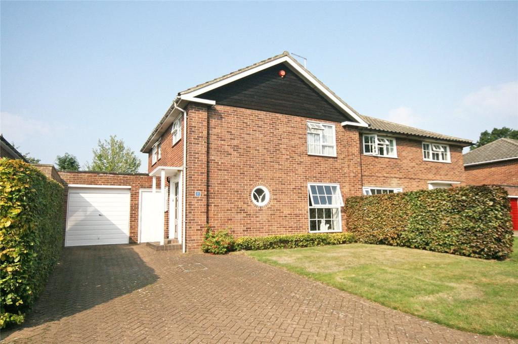 4 Bedrooms Semi Detached House for sale in Pitsfield, Welwyn Garden City, Hertfordshire
