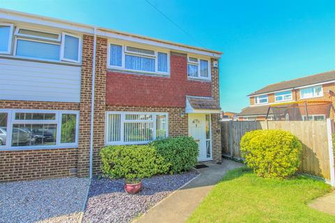 3 bedroom semi-detached house for sale - Sycamore Close, Biggleswade, SG18