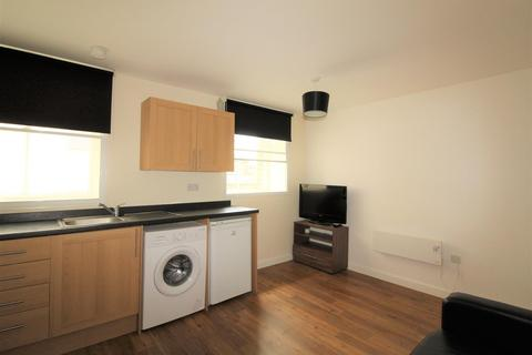 Studio to rent - Manor Row Bradford