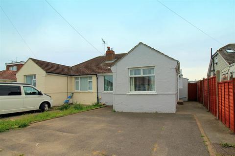 2 bedroom bungalow for sale - Abbey Road, Sompting, Lancing