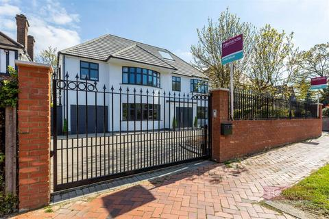 6 bedroom detached house for sale - Broad Walk, Winchmore Hill