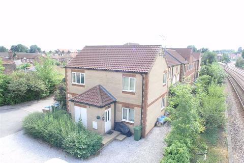 2 bedroom flat to rent - Riverhead Gardens, YO25