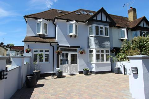 6 bedroom semi-detached house for sale - Glenfield Road, Banstead
