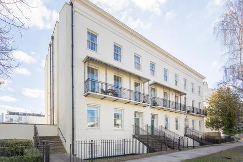 2 bedroom apartment for sale - Clarence Square, Cheltenham GL50 4JR