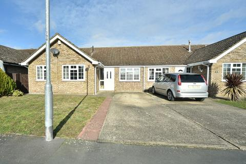 3 bedroom bungalow for sale - Lark Road, Mildenhall, Bury St. Edmunds, Suffolk, IP28