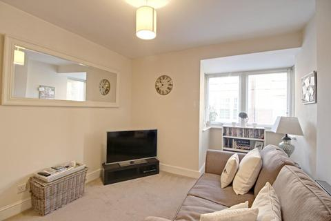 1 bedroom flat to rent - Crown House