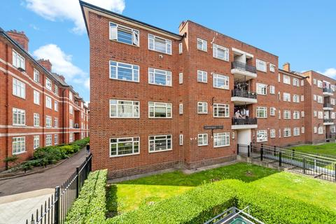 3 bedroom flat to rent - Aldwyn House, Davidson Gardens, London, SW8