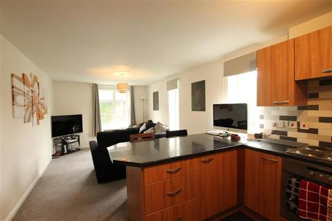 2 bedroom flat to rent - Shelley House Monument Close, York