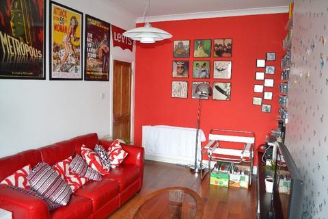 3 bedroom flat to rent - Skene Square, Rosemount, Aberdeen, AB25 2UP