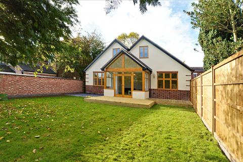 4 bedroom detached house to rent - Grove Avenue, Chilwell, NG9 4DX
