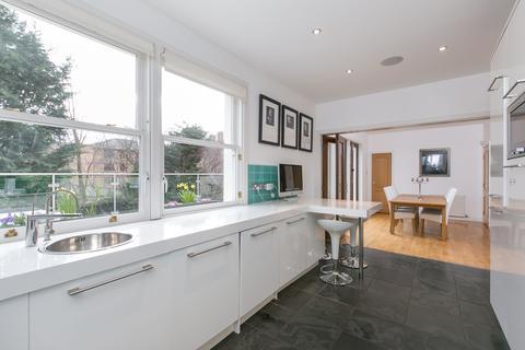 4 bedroom terraced house to rent - Harrison Road, Edinburgh EH11