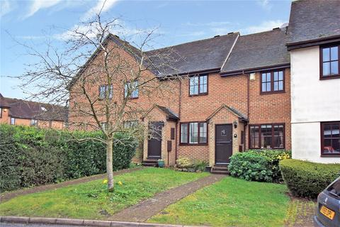 2 bedroom terraced house for sale - Old Town Close, Beaconsfield, Buckinghamshire, HP9