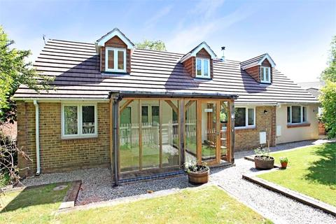 4 bedroom detached house to rent - Grange Drive, Otterbourne, Hampshire, SO50
