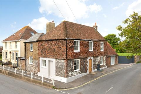 4 bedroom house for sale - 1 Kingsdown Road, St Margarets At Cliffe, CT15